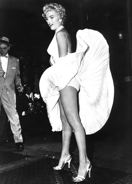Underwear Lindy Shopper