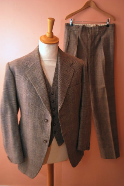 1936 three-piece suit, size 38, bidding at $168.01