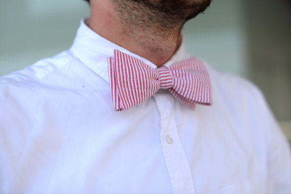 Classic bow tie in seersucker