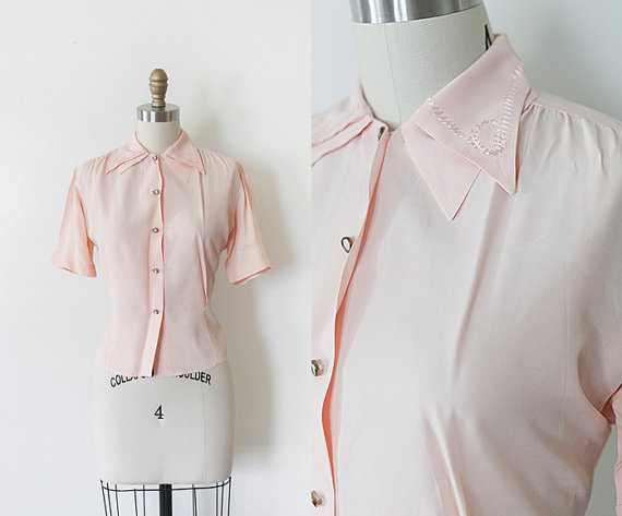 Double collar with lovely detail on this 40's blouse