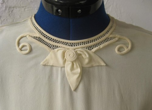 Neck detail on 40's blouse