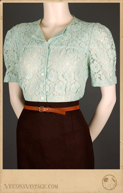 Lacy Daisy blouse in mint