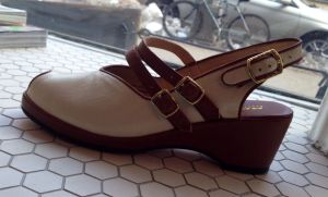 Twin strap slingback, available in sizes 6, 8, and 10 (sizes 7 and 9 already sold!) - links at left