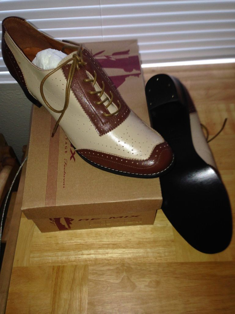Boardwalk in brown and sand, size 10.5