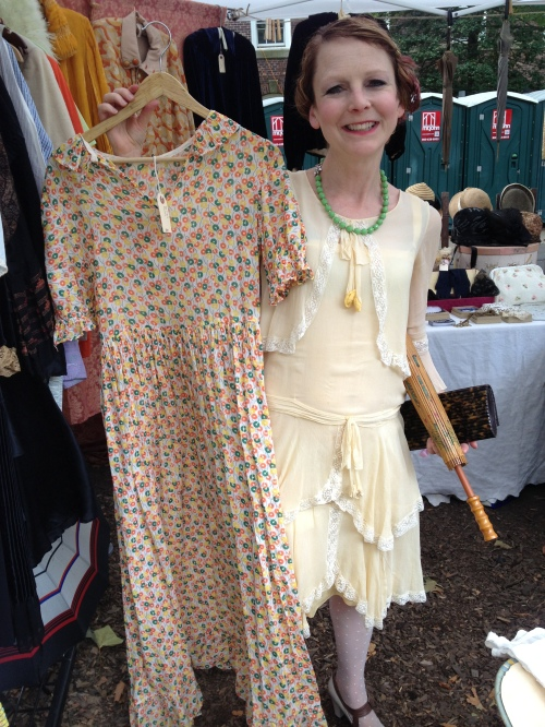 Elizabeth shows off a cute 30's cotton dress from Noble Savage Vintage