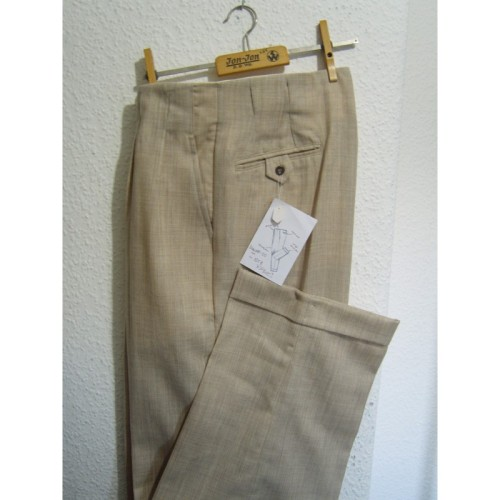 These 1950's cut high waisted trousers look great for spring and summer.