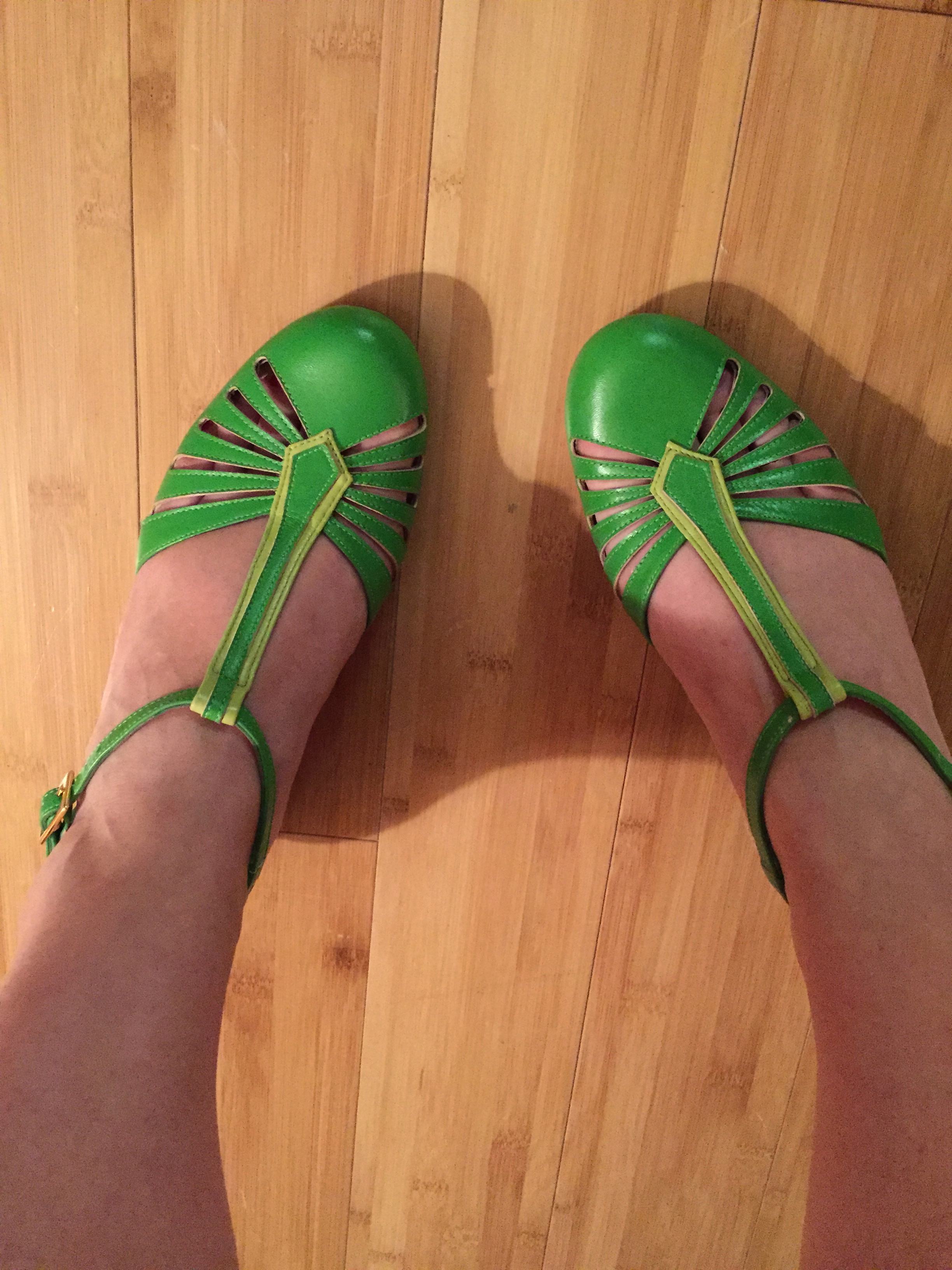 dancing-get-hip-put-shoes-swinging